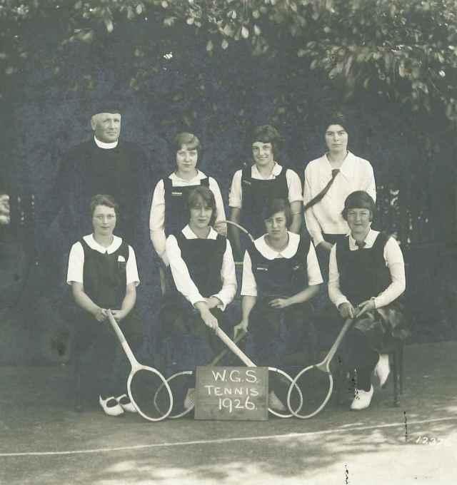 Wirksworth Grammar School girls' tennis team, 1926 (D271/10/6/10)