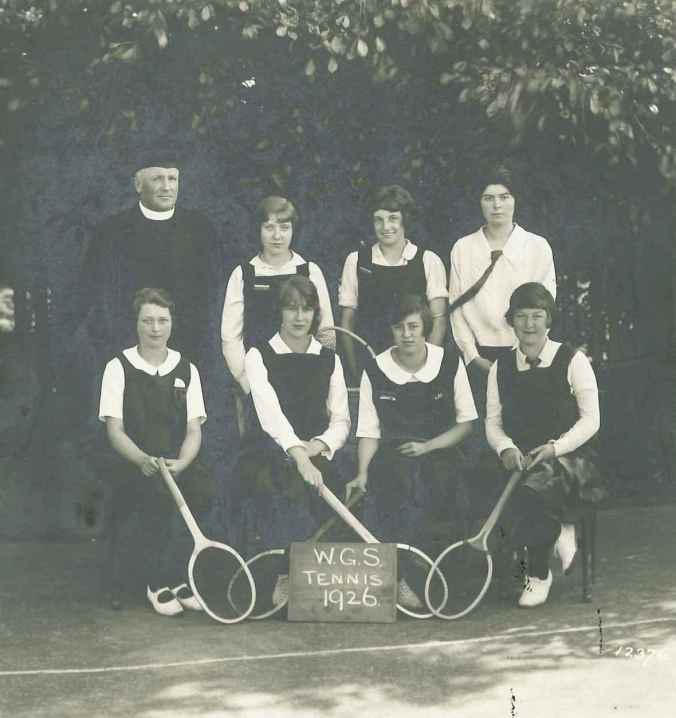 Wirksworth Grammar School girls' tennis team, 1926 (D271/10/6/10)