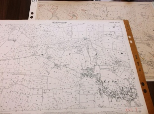 Ordnance Survey maps for 1880 and 1922 covering Eyam (sheet reference 16/7)